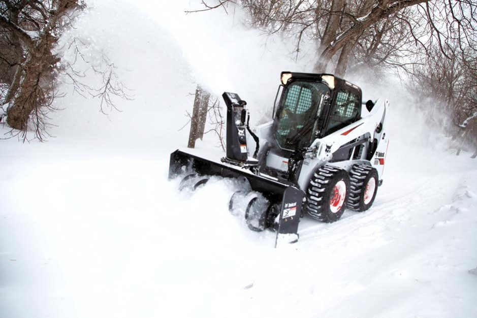 Bobcat S590 Skid-Steer Loader full